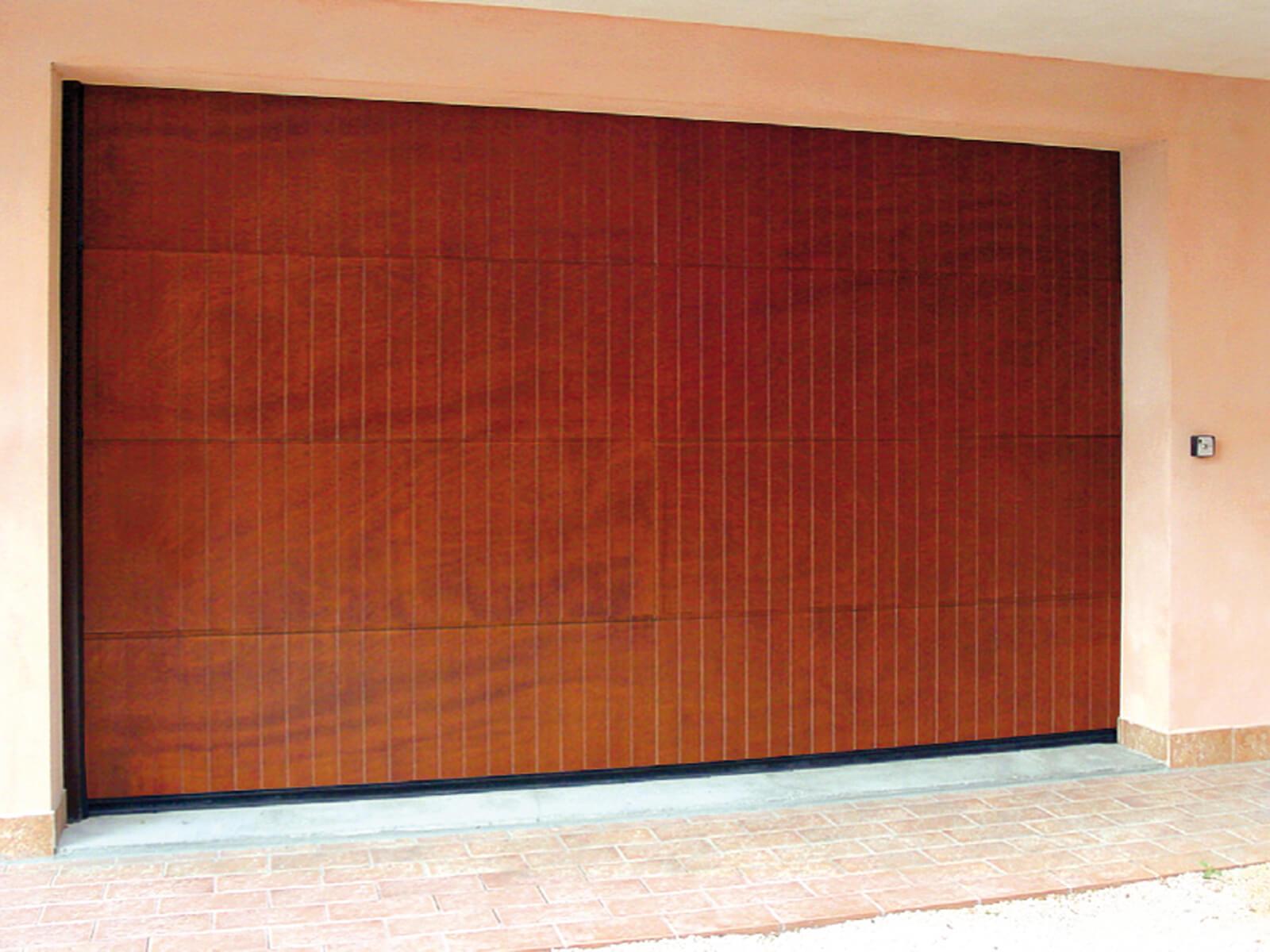 Portone sezionale in legno-alluminio PEGASO - Disegno Polis
