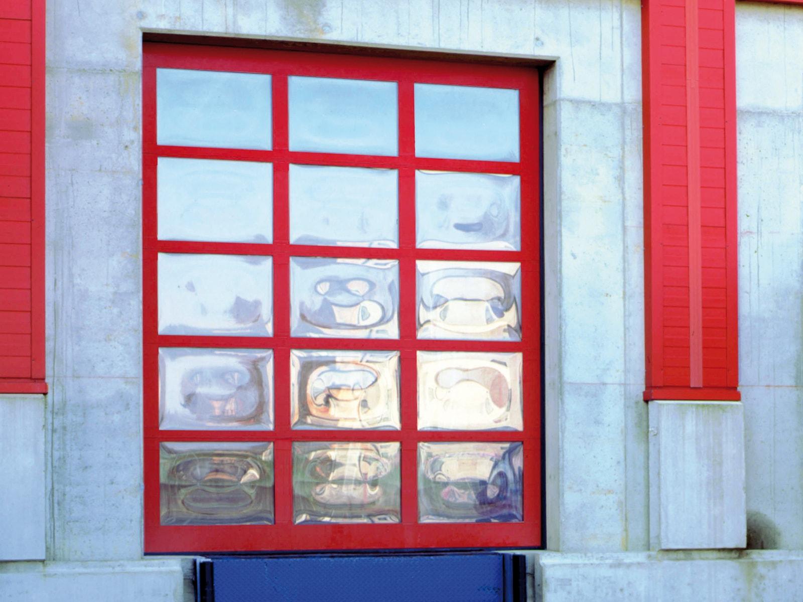 Portone sezionale vetrato FULL VISION - Rosso RAL 3000