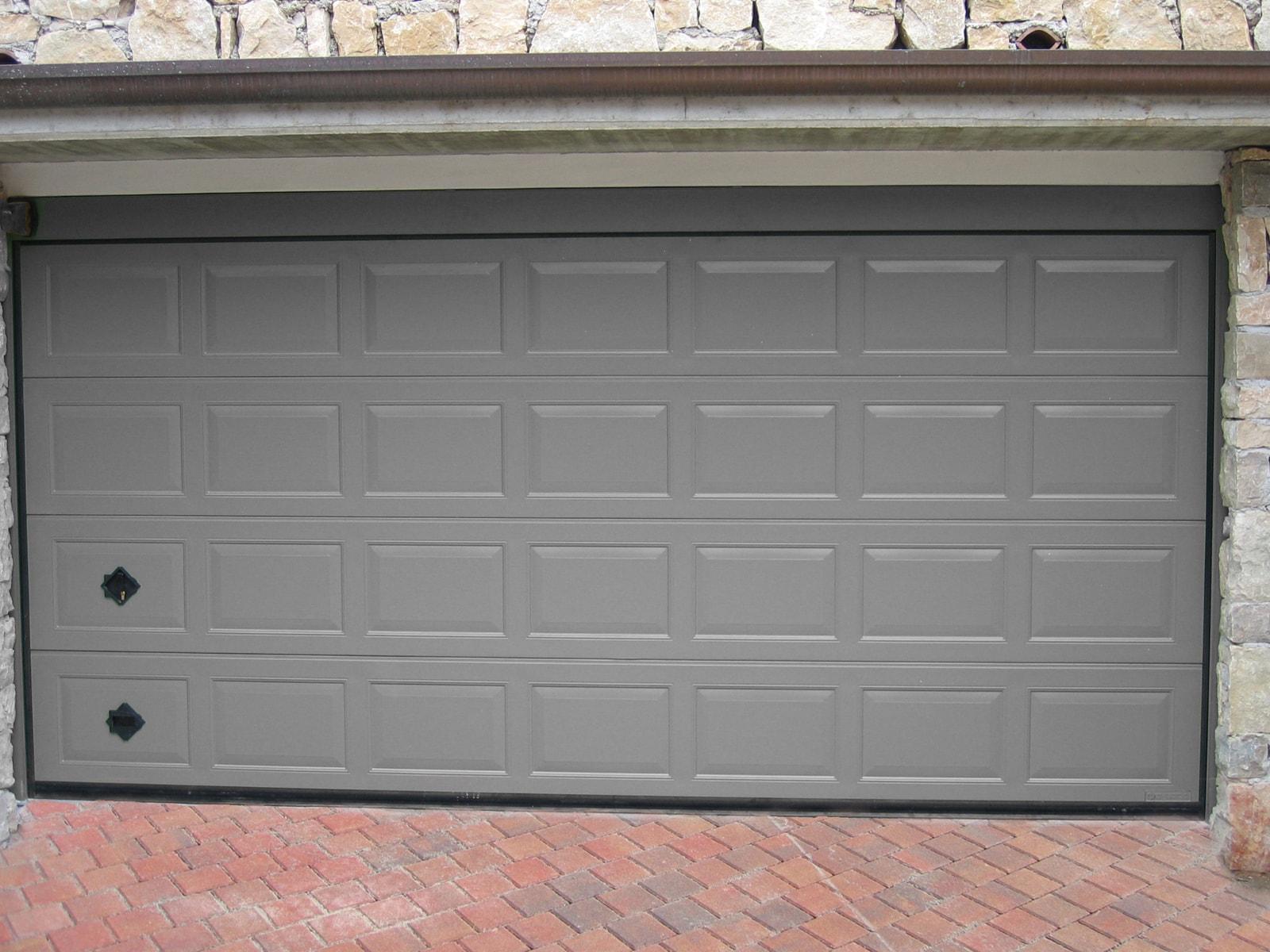 Portone sezionale da garage ATHES - Liscio grigio RAL
