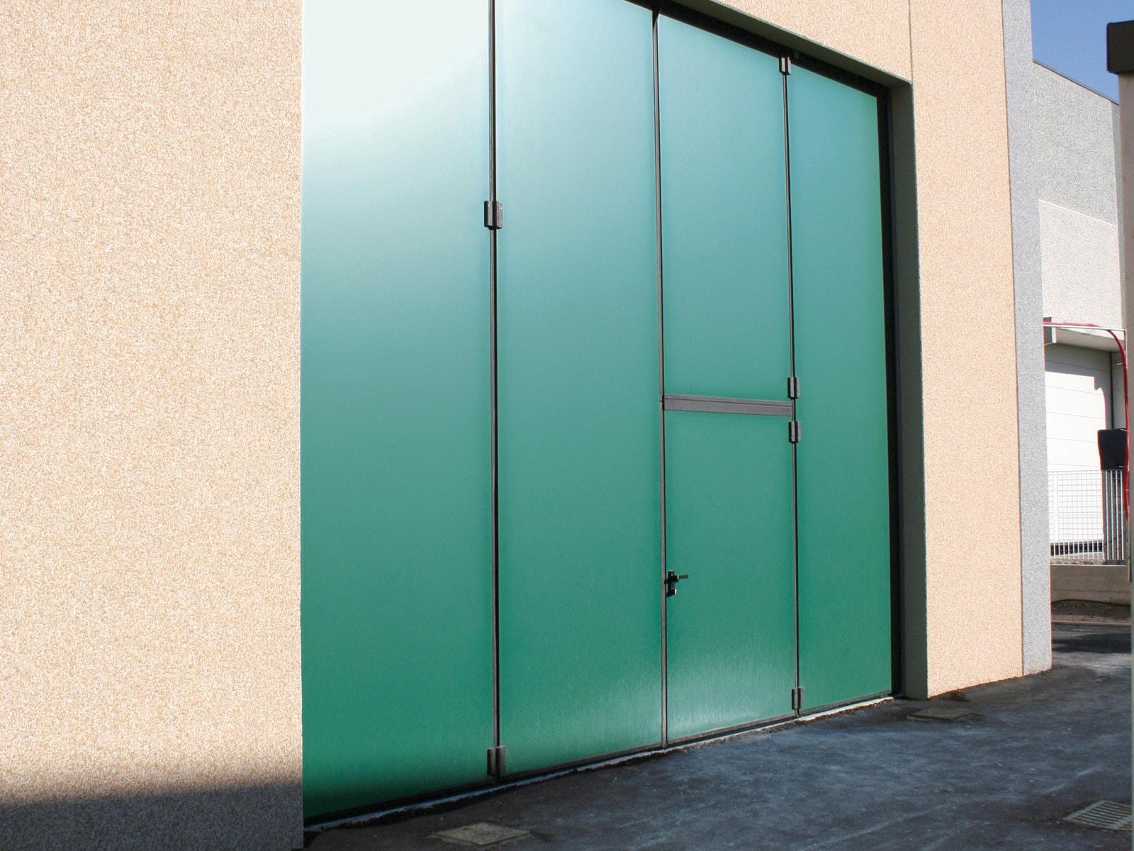 Portone a libro industriale ADONE - Verde RAL 6005 anta tagliata
