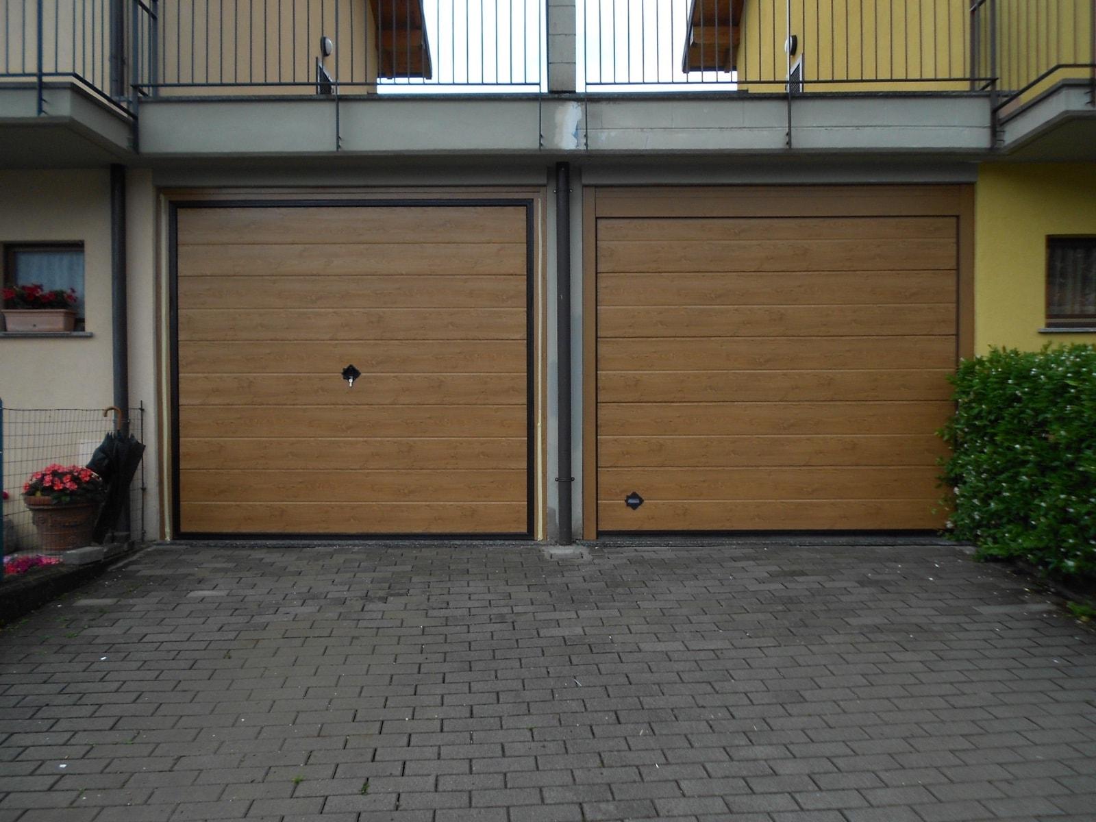 Portone basculante da garage SWING - Simil legno vs Cupis