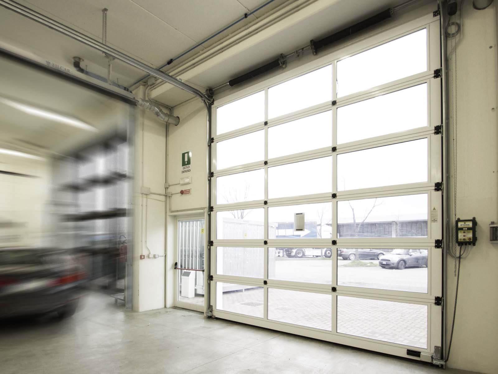 Portone sezionale vetrato LUXOR - Bianco C81