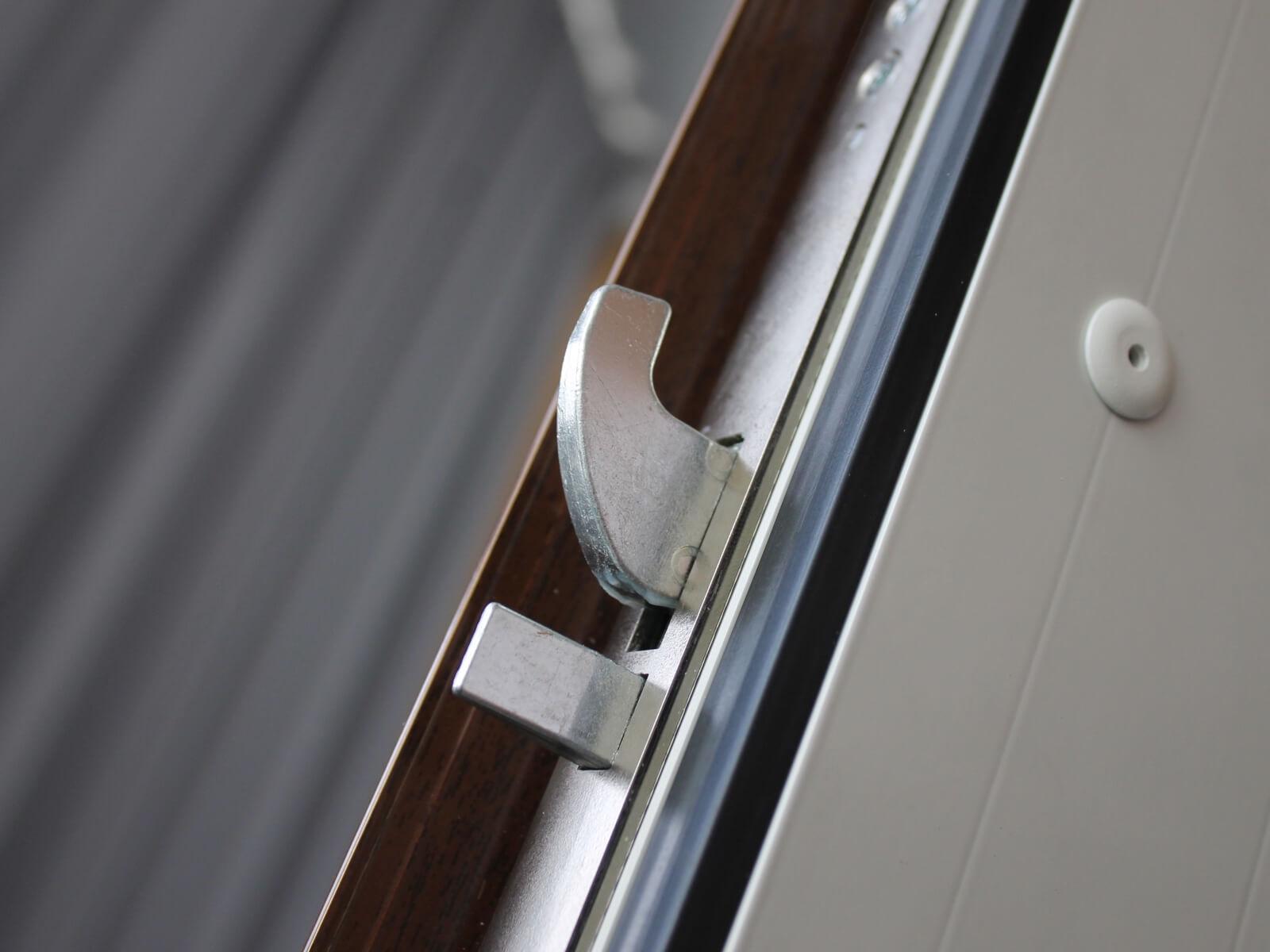 Dettaglio serratura 4 punti di chiusura