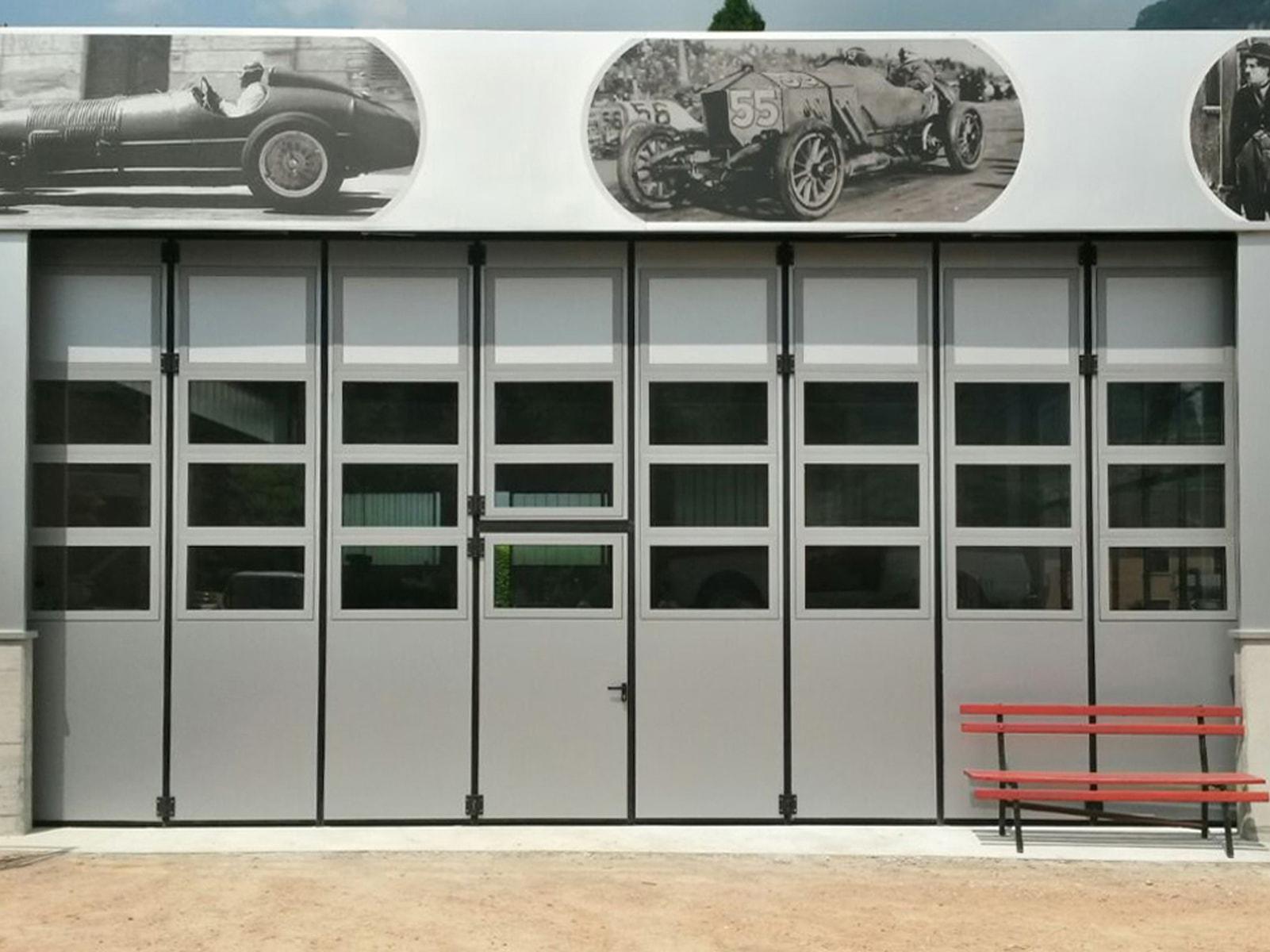 Portone a libro industriale ADONE - Bianco-grigio con vetrature